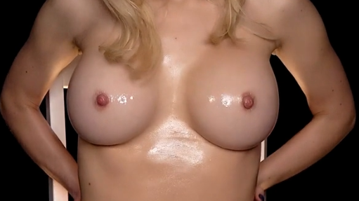 ASMR Maddy Nude Oil Pour