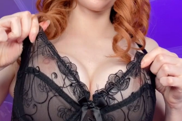 Amouranth Sexy Nipple Play